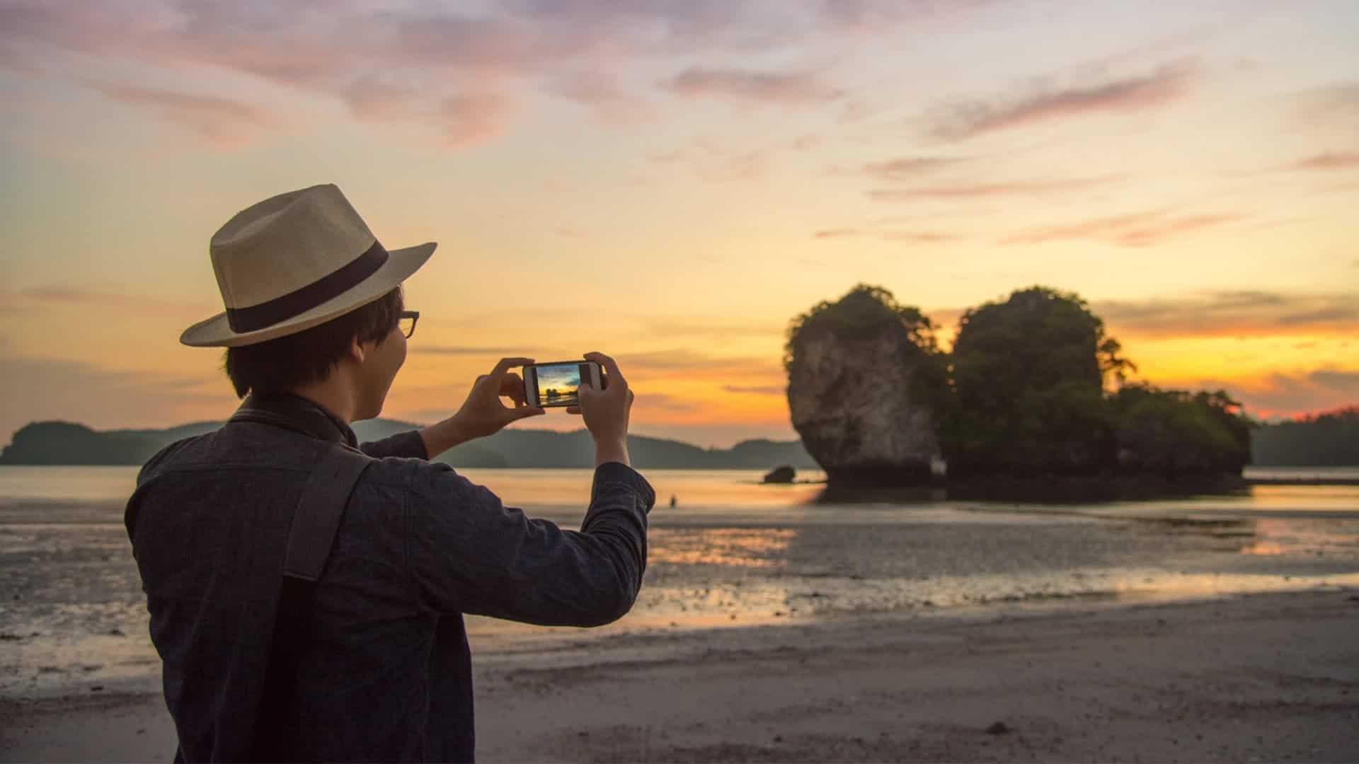 Kurz nach Hause telefonieren und die besten Bilder schicken – direkt vom Strand