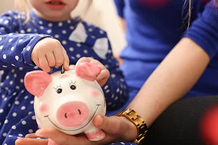 MoneyCheck | Geldanlagen für Kinder
