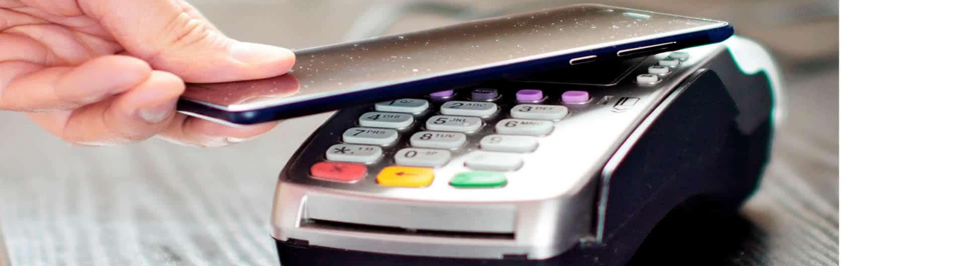 Google Pay und Apple Pay: Gehört Ihr Handy in Alufolie?